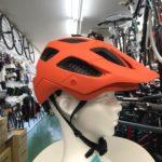ボントレガー 国内数量限定ヘルメット入荷